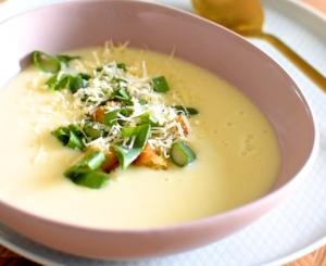 Zupa serowa z Dziugasem