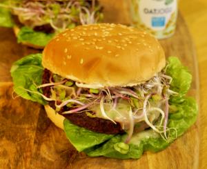 Wegańskie burgery z buraka